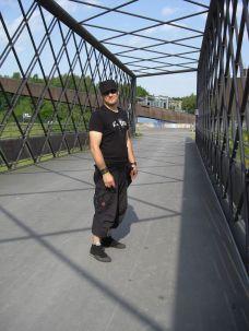 Blackfield 2008 - Robert auf der Brücke