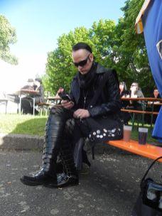WGT 2013 - Robert wieder mal am Handy