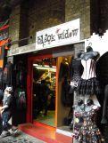 """Läden wie das """"Black Widow"""" sind ebenfalls verschwunden."""
