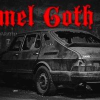 Formel Goth: Isländischer Okkultismus trifft amerikanische 80er Ästhetik, während die Spanier an Füßen knabbern.
