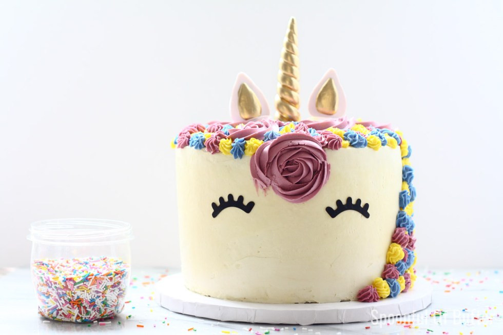 DIY Birthday Unicorn Cake 8