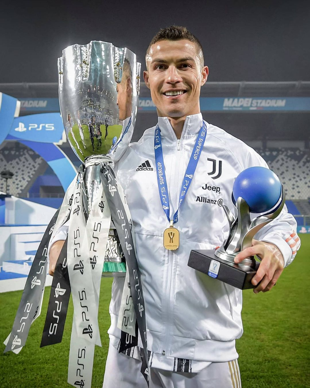4th trophy with Juventus           ...