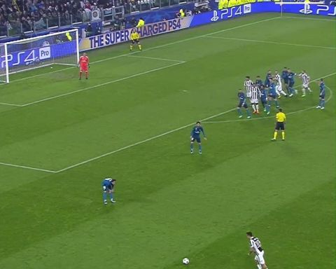 Keylor Navas saves! Best one here?              ...