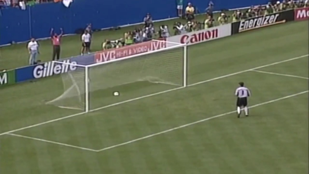 Ray Houghton Goal - Republic of Ireland v Italy - USA 94 World Cup