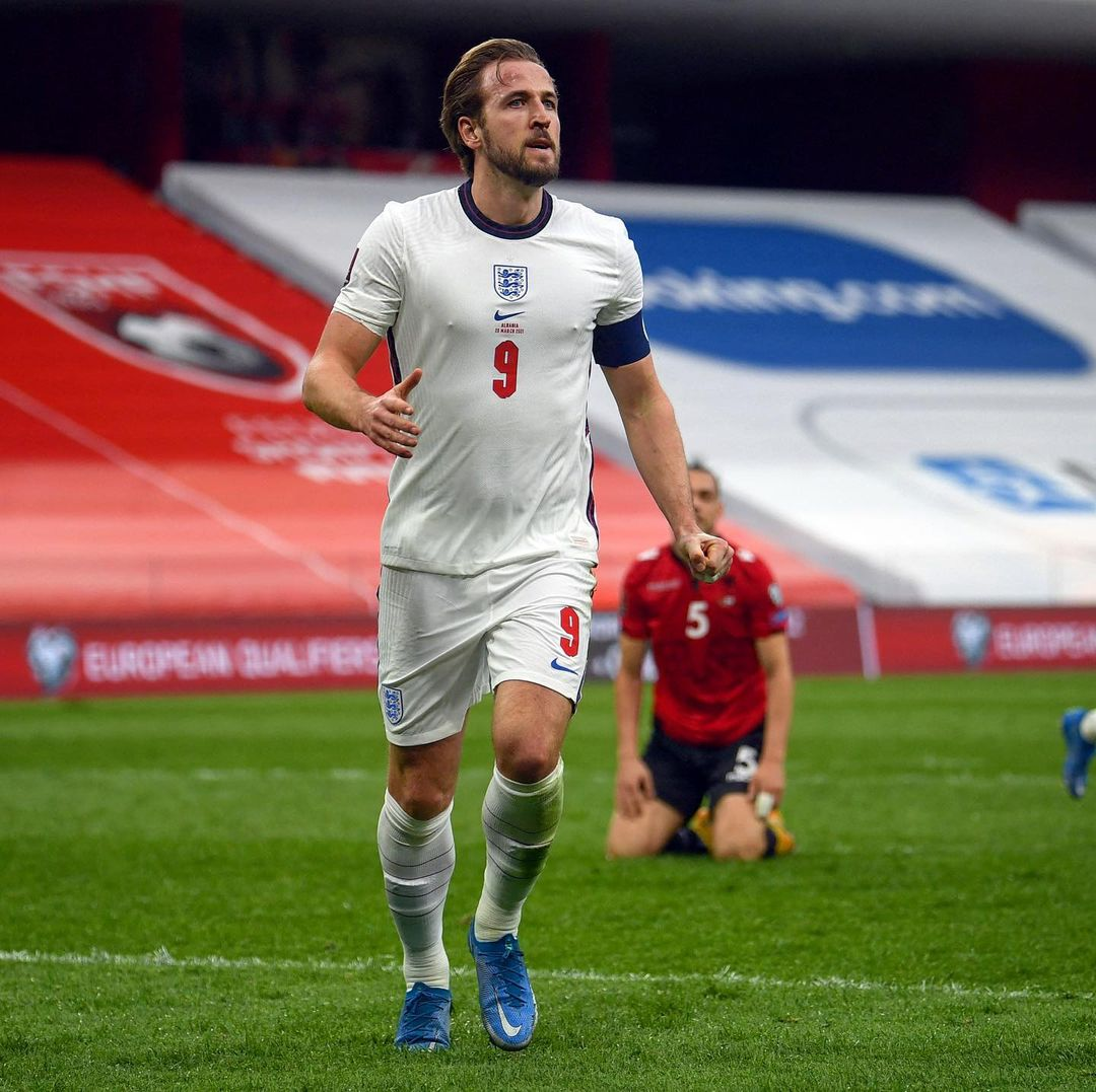 Who should start either side of Kane?    Kane & Mount give England 2-0 win in A...