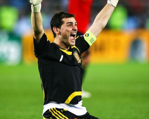 Where does Iker Casillas rank among the greatest goalkeepers of all time? ...