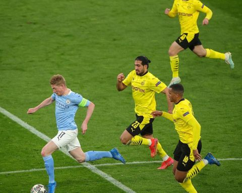 KDB  Who else would you want on the ball in this position?    ...