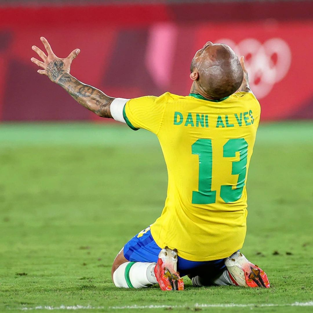 Olympic gold for Dani Alves & Brazil!  Send your congratulations      ...
