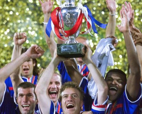 Happy birthday, Didier Deschamps   Who else has succeeded as both player and co...