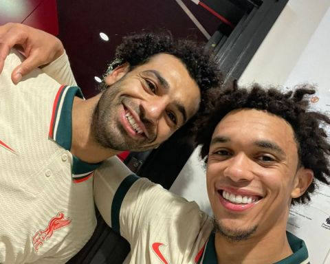 """TAA on Salah: """"The best in the world.""""  Agree?  ..."""