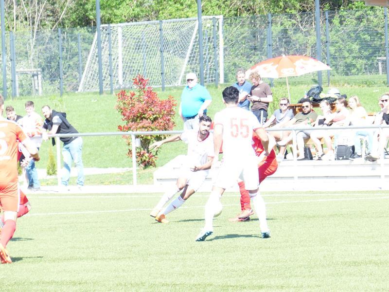 IG Bönen-Fußball auf Landesliga-Kurs – RWU bietet Paroli