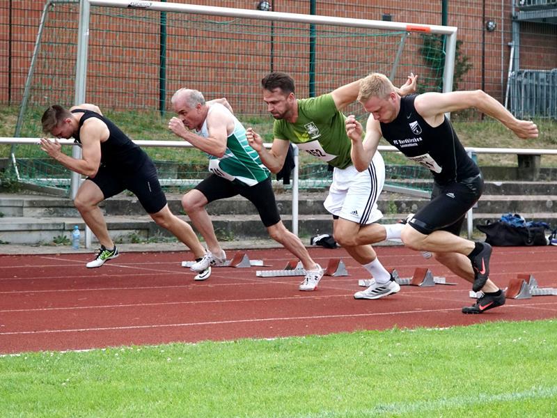 20. Dreikampfwoche der Leichtathleten im Römerbergstadion hat begonnen