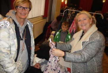 Shopping beim Ladies-Fashion-Markt des HSC