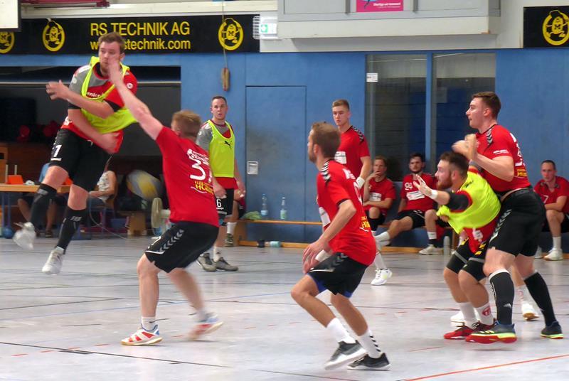 Saisonvorbereitung der Handballer geht weiter – Trainingseinheiten – Testspiele