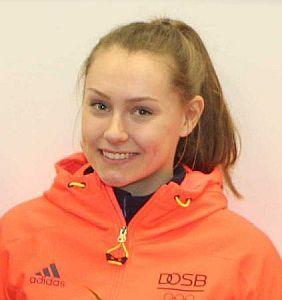 Laura Nolte fährt mit Erline Nolte beim Bob-Weltcup in Igls auf den Silberrang