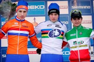 Gioele Bertolini sul podio dell'ultima prova di Coppa del Mondo in Olanda (foto Bettini)