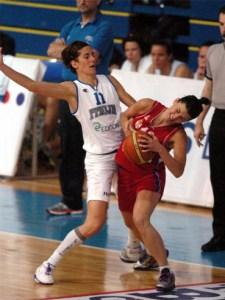 Una fase di gara contro la Serbia