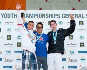 Alessandro Santoni sul podio del Campionato del Mondo giovanile IFSC in Canada