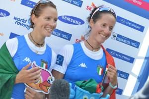 Sancassani e Milani subito dopo la conquista del titolo mondiale doppio pl ai Mondiali in Corea (canottaggio.org)