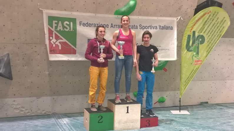 Coppa Italia Boulder di Arrampicata a Bologna successi di Colombo e Medici