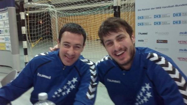 Handball All-Star-Game 2014 in der Arena Leipzig mit Autogrammstunde: Marko Vujin (THW Kiel - l.) und Domagoj Duvnjak (damals HSV Hamburg) - Foto: SPORT4Final