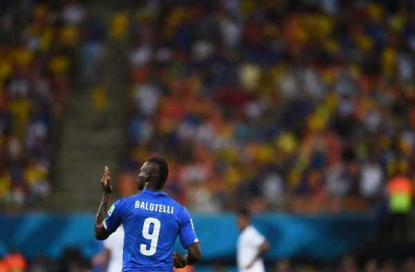 Fußball-WM 2014 Brasilien: Italien besiegt England 2:1 - Man of the Match: Mario Balotelli (Italien) - 2014 FIFA World Cup Brazil Group D match between England and Italy at Arena Amazonia on June 14, 2014 in Manaus, Brazil. (Photo by Christopher Lee/Getty Images for Sony)