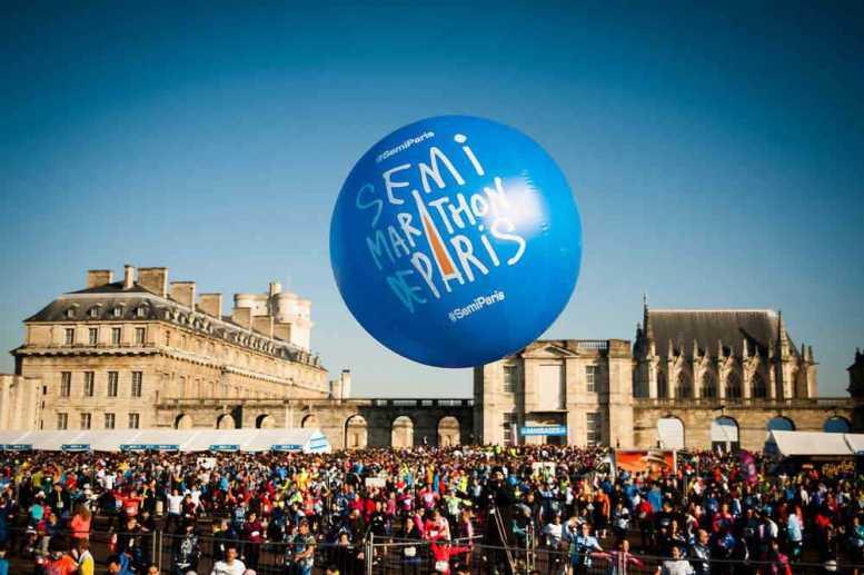 Paris-Halbmarathon 2015: Moses Mosop ist der größte Favorit - Semi-Marathon de Paris - 02/03/2014 - Echauffement sur l'esplanade du Château de Vincennes - Foto: P.Ballet/ASO