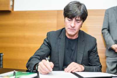Fußball: Joachim Löw bleibt dem DFB treu - Vertragsverlängerung bis 2018 - Foto: Getty Images