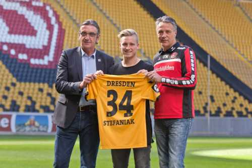 Dynamo Dresden: Ralf Minge, Marvin Stefaniak, Uwe Neuhaus - Foto: Steffen Kuttner/Dynamo Dresden