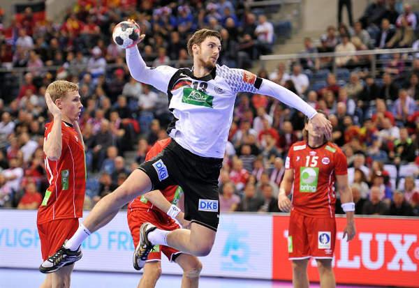 Handball EM 2016: Angela Merkel wünscht DHB-Team Erfolg - Foto: ZPRP / EHF