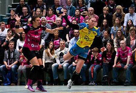 Handball Bundesliga, TuS Metzingen vs. HC Leipzig am 17.02.2016 in Metzingen (Baden-Würtenberg) - Luisa Schulze (13) - Foto: Sebastian Brauner