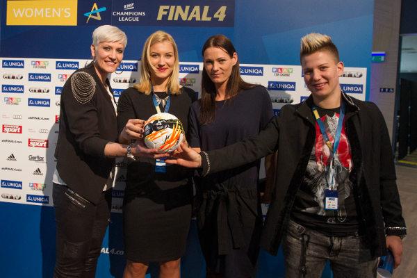 Handball EHF Champions League Final4 2016: Halbfinale - Anja Althaus, Cristina Nan, Anita Görbicz, Suzana Lazovic - Foto: SPORT4Final