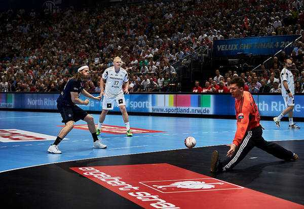 VELUX EHF FINAL4 2016 Paris Saint-Germain vs. THW Kiel © 2016 EHF / Axel Heimken LANXESS Arena, Cologne, Germany