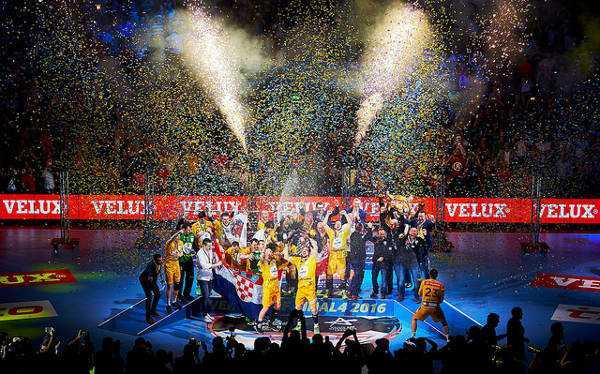 Handball VELUX EHF FINAL4 2016 Final: KS Vive Tauron Kielce vs. MVM Veszprem © 2016 EHF / Axel Heimken LANXESS Arena, Cologne, Germany