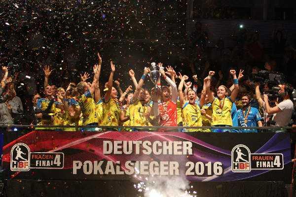 DHB-Pokal Final4: HC Leipzig mit Titel und Karolina Kudlacz-Gloc herausragender MVP - Foto: Sebastian Brauner