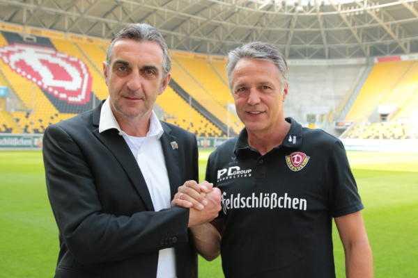 Dynamo Dresden: Ralf Minge und Uwe Neuhaus nach der Vertragsverlängerung - Foto: Steffen Kuttner