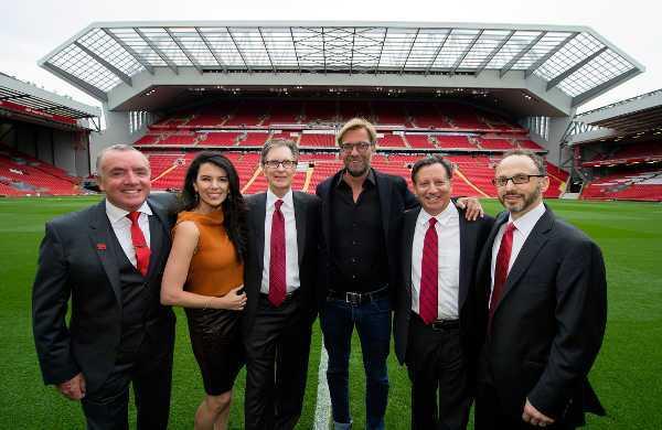 Die Fenway Sports Group mit Ian Ayre und Jürgen Klopp bei der offiziellen Eröffnung der Haupttribüne - Liverpool Football Club eröffnete Haupttribüne an der Anfield Road - Foto: Liverpool FC