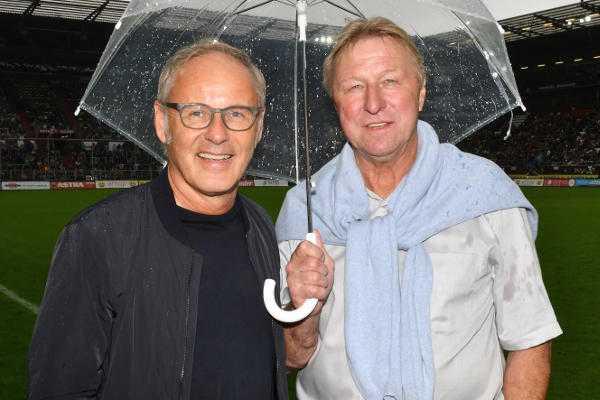 Reinhold Beckmann und Horst Hrubesch - Tag der Legenden: Otto Rehhagel führt Deutschland zum Sieg - Foto: Norbert Gettschat