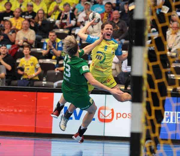 """HC Leipzig vor """"heißem Herbst"""" in Handball Champions League und Bundesliga - Helena Hertlein im legendären Match gegen FTC Budapest - Foto: Sebastian Brauner"""