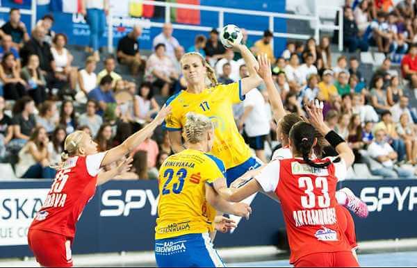 HC Leipzig: Anne Hubinger im Champions-League-Match gegen HC Gomel - Foto: Sebastian Brauner