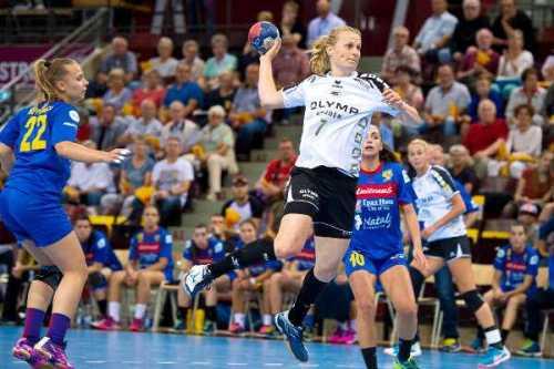Nina Müller - SG BBM Bietigheim zitterte sich ins Handball EHF-Cup-Halbfinale - Foto: Marco Wolf