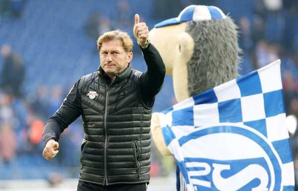 Deutsche Bundesliga, FC Schalke 04 vs. RasenBallsport Leipzig - Ralph Hasenhüttl (RB Leipzig) - Foto: GEPA pictures/Roger Petzsche