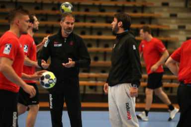Handball EHF-Cup Final4 – Media Call: SC Magdeburg mit Michael Damgaard und Finn Lemke - Foto: EHF Media