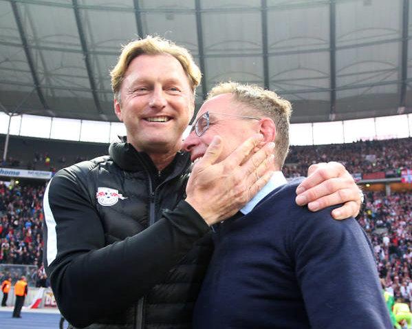 Deutsche Bundesliga, Hertha BSC Berlin vs. RasenBallsport Leipzig - Ralph Hasenhüttl und Ralf Rangnick (RB Leipzig) - Foto: GEPA pictures/Roger Petzsche