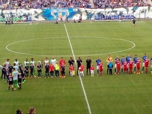 "FC Hansa Rostock unterlag VfL Wolfsburg. Pavel Dotchev ""Mut zum Risiko vermisst"" - Foto: SPORT4FINAL"