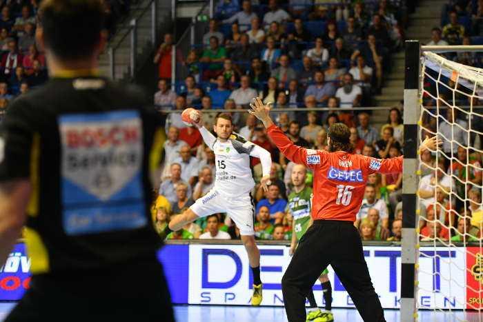 Yves Kunkel und Jannick Green - SC Magdeburg vs. SC DHfK Leipzig - Handball Bundesliga - Foto: Rainer Justen