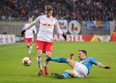 Fußball UEFA Europa League, RasenBallsport Leipzig vs. SSC Neapel - Timo Werner (RB Leipzig) und Mario Rui (Neapel) - Foto: GEPA pictures/Sven Sonntag
