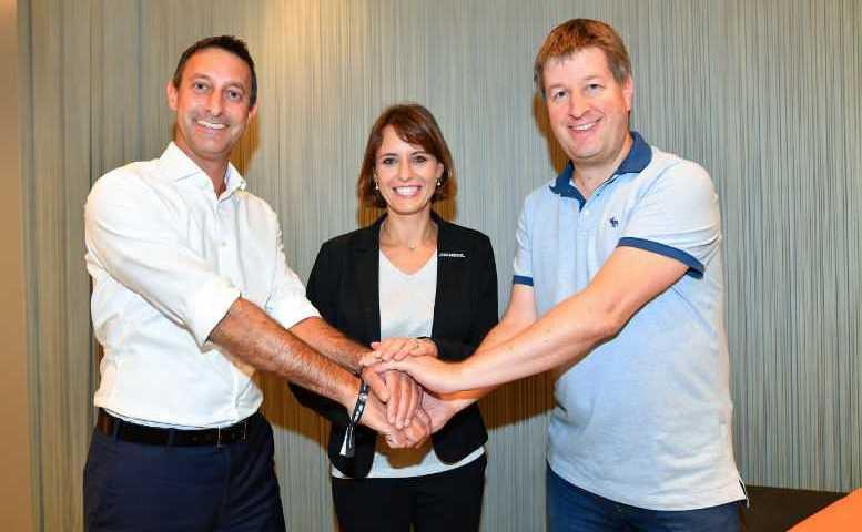 Achim Ihrig (Stellvertretender Aufsichtsratsvorsitzender), Jennifer Kettemann (Geschäftsführerin), Lars Lamde (Aufsichtsratsvorsitzender) - Foto: Rhein-Neckar Löwen