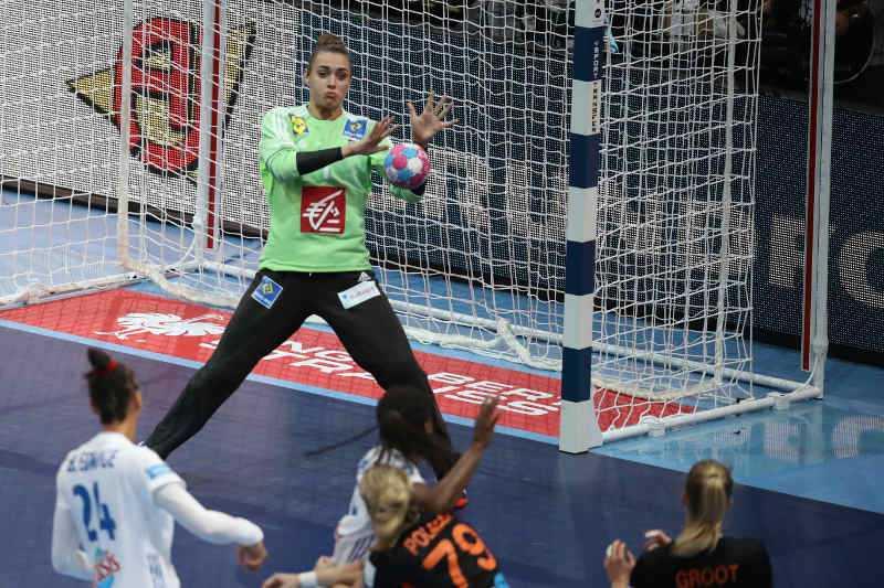 Handball EM 2018 - Halbfinale Frankreich vs. Niederlande - Laura Glauser - Copyright: FFHandball / S. Pillaud
