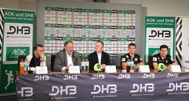 Handball WM 2019 - DHB Pressekonferenz am 21.12.2018 in Berlin - Bob Hanning, Andreas Michelmann, Tim-Oliver Kalle, Christian Prokop, Alexander Haase (von links) - Foto: WM LOK Berlin